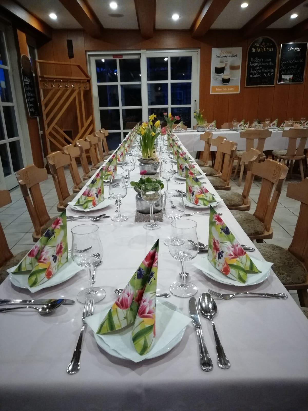 feier_tafel